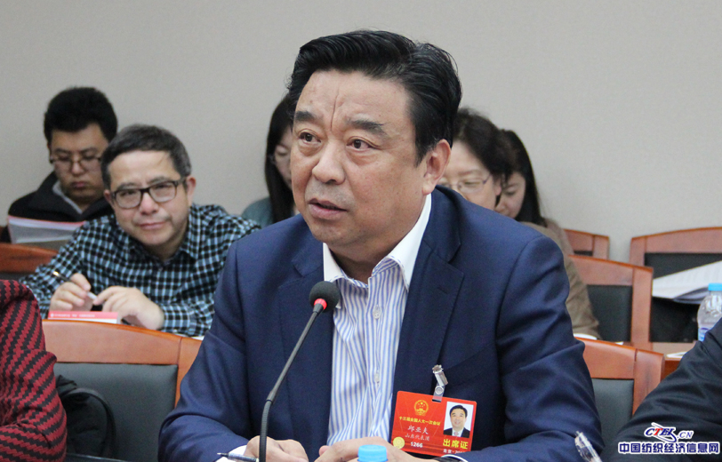 全国人大代表,山东如意科技集团有限公司董事局主度邱亚夫