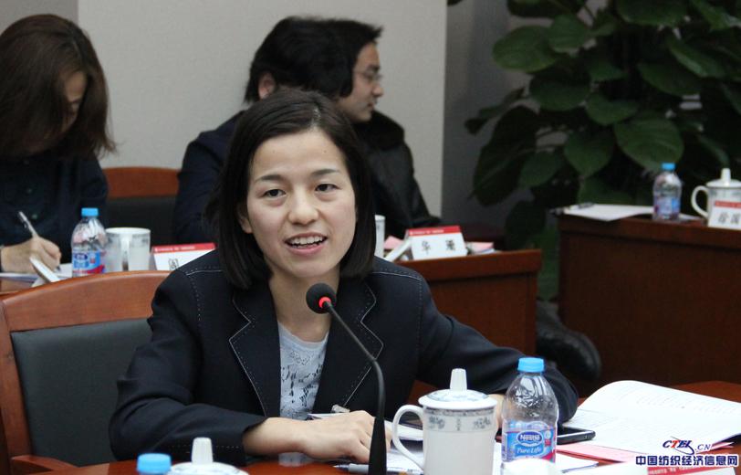 全国人大代表,咸纺集团一分厂赵梦桃小组组长何菲